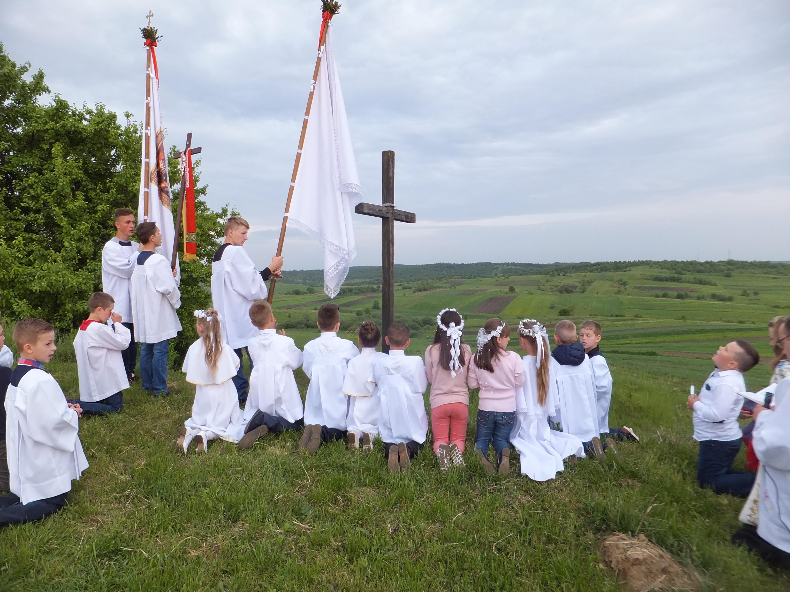 Procesja do Krzyża przy Ddrodze do Radenic