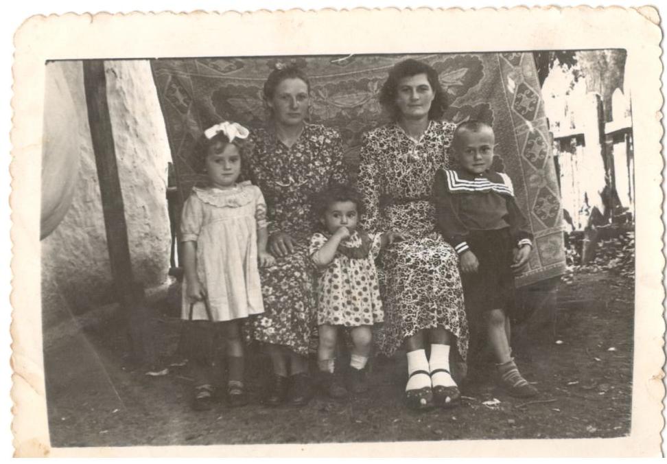 Zofia Paprocka z domu Czerniec z bratem Janem